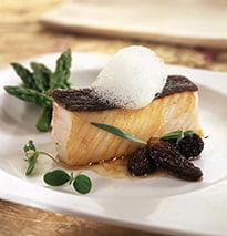 Peixe Manteiga Com Morchelas Estufadas, Espargos Bravos E Nuvem De Trufa