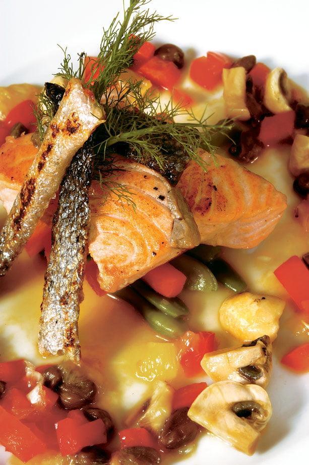 Salmão do Alaska ao sabor de Funcho e Tártaro de Legumes Novos