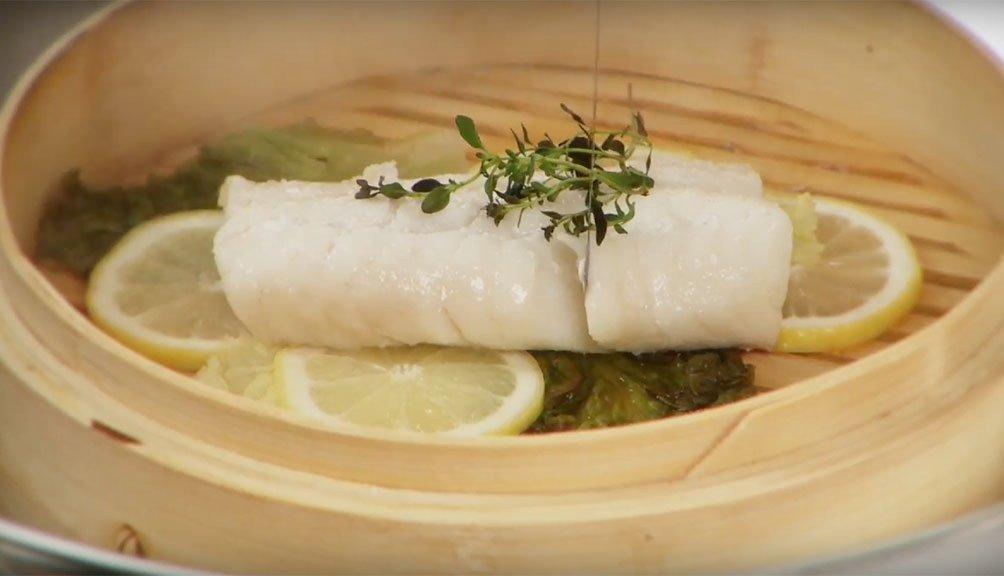 Cozinhar peixe congelado a vapor